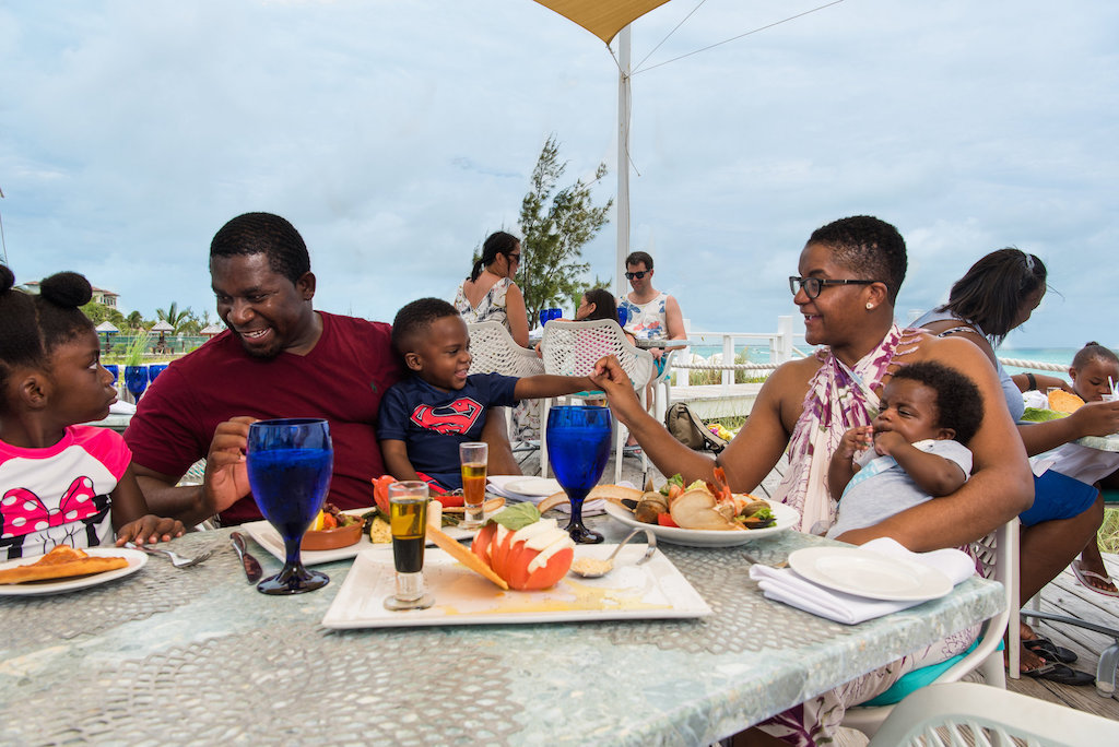 ALEXANDRIA TURKS AND CAICOS-FAMILY-DINING-3