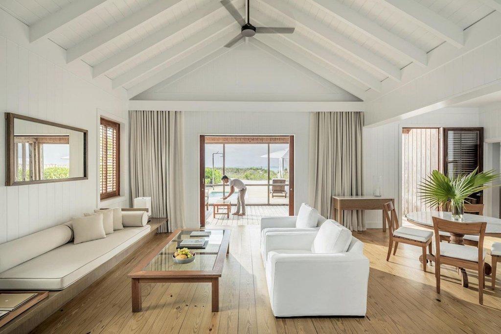 ii-_como_parrot_cay_-_one_bedroom_beach_house_-_living_room_-_housekeeping_3