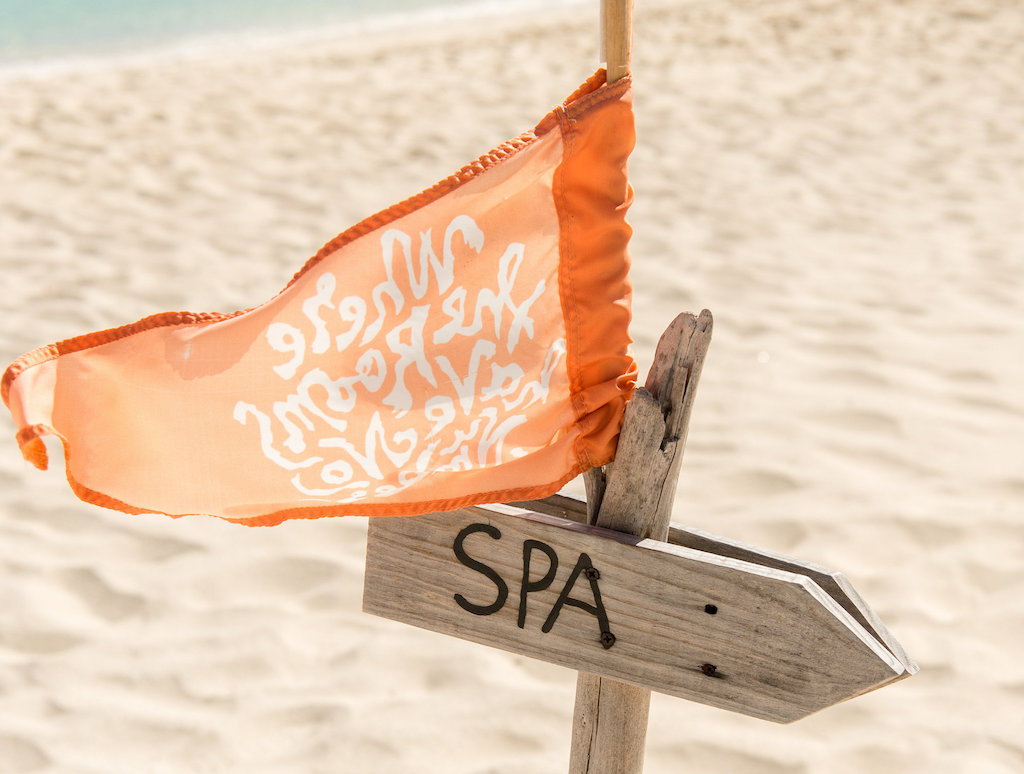 Beach_house-tc-spa-sign-99
