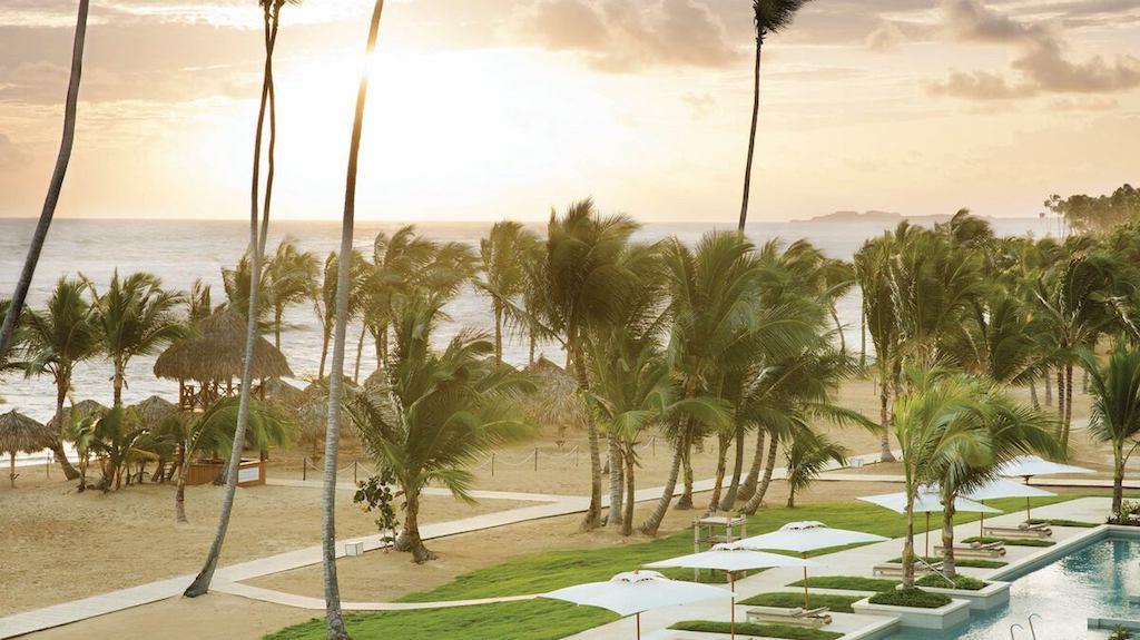 EX_EC-ECLUB-Honeymoon-view-beach-dominican-republic-resort-all-inclusive-deals