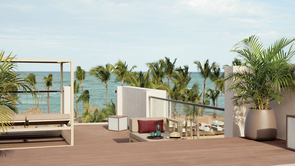 EX_EC_ECLUB-vistas-beachfront-honeymoon-suite-dominican-republic-1