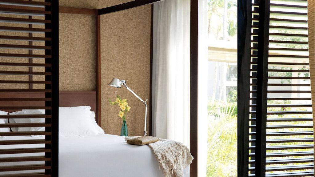EX_EC_suite_pool_view-suites-bed