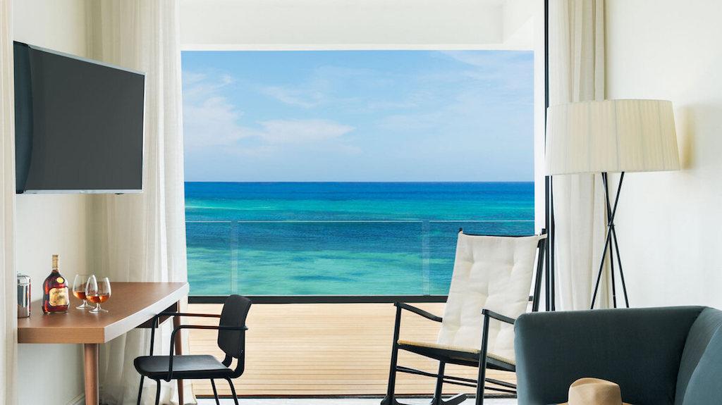 EXOB_honeymoon-suites-in-montego-bay-jamaica-living-34