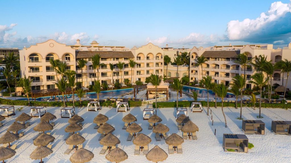 excellence-riviera-cancun-aerial-view-of-beach