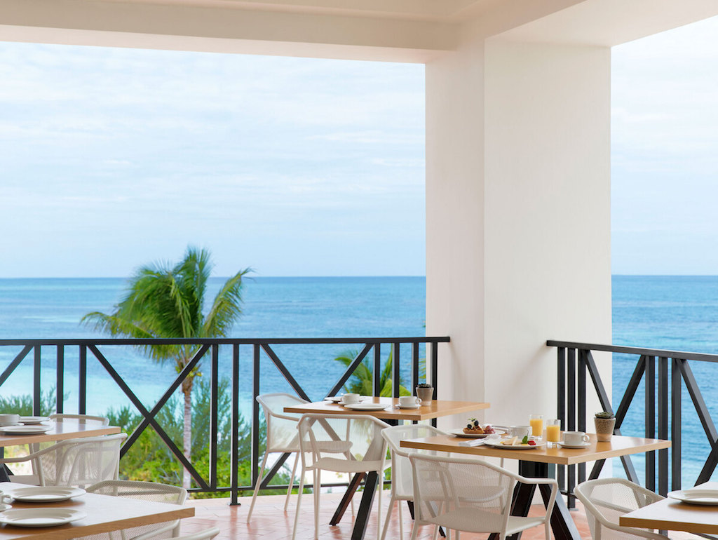 kitchen-table-restaurant-in-jamaica-resort-adults-only-1