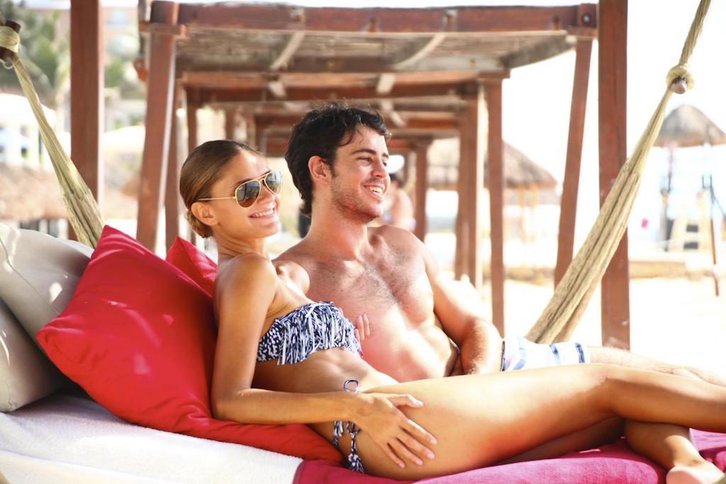 Sandos_cancun_Beach_17-min