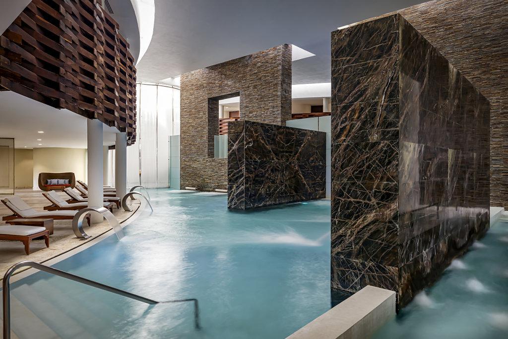 Grand-Velas-Riviera-Maya17-spa-hidroterapy,large.1582830678
