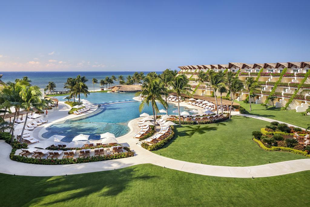 Grand-Velas-Riviera-Maya29-ambassador-pool,large.1582830678