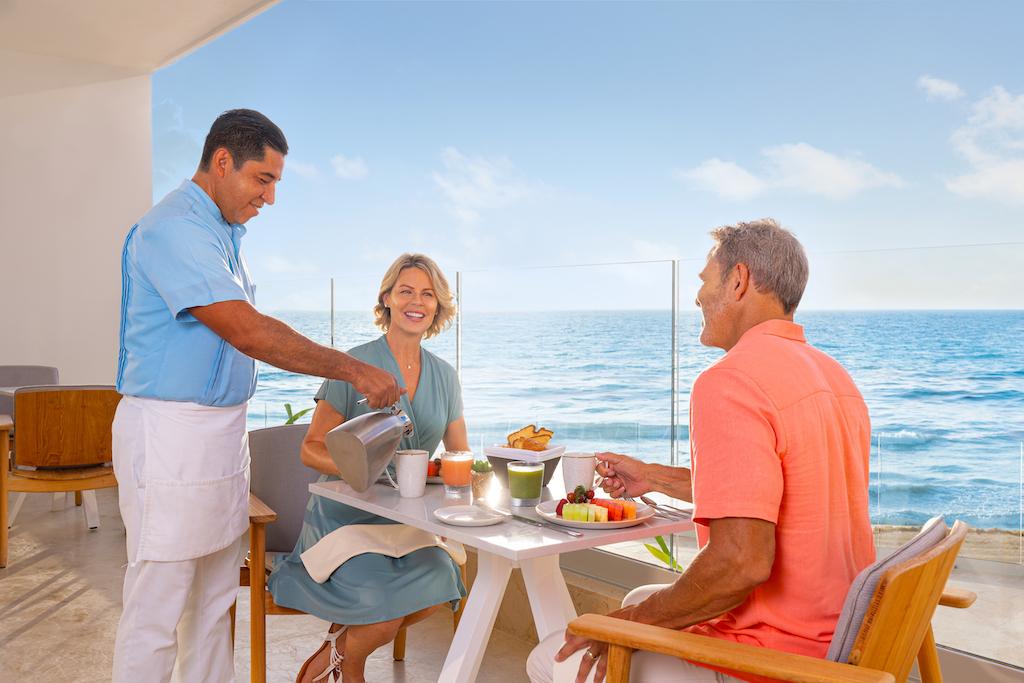 sp_Aurora_Dining_Breakfast