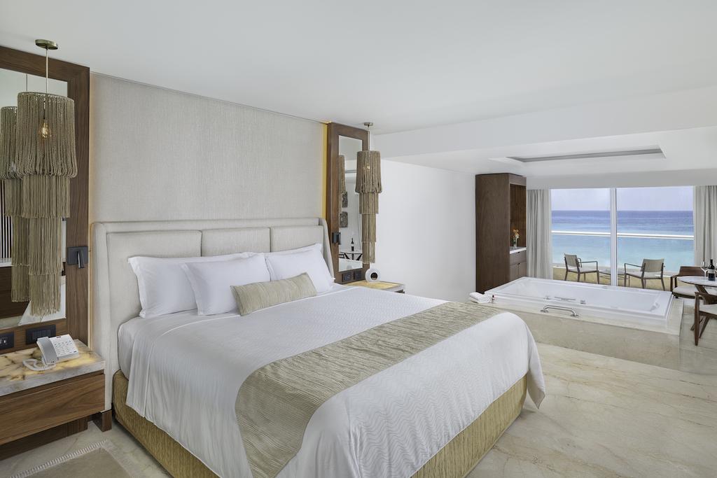 sp_Jr_Suite_Bedroom
