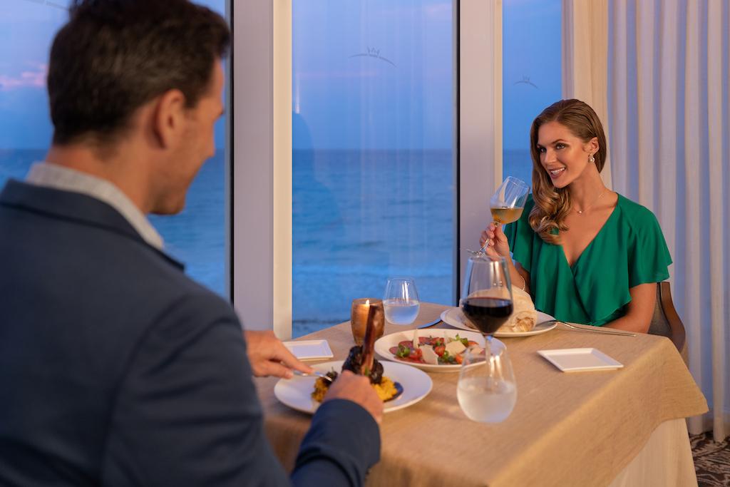 sp_La_Tratto_Couple_Dining