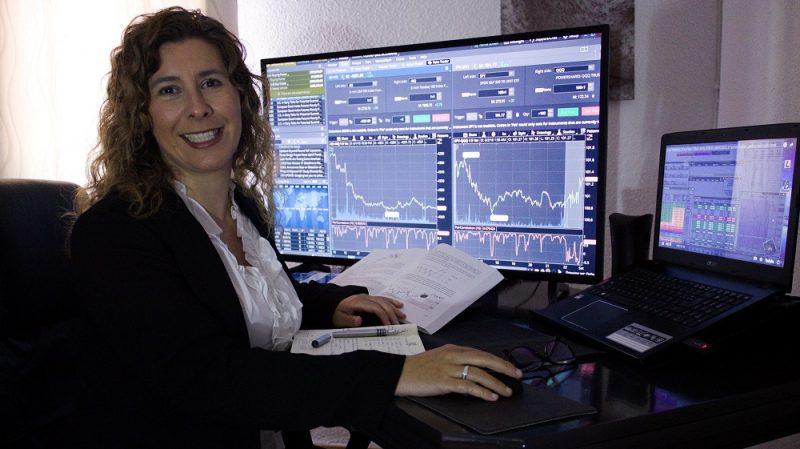 Trading - Gestor Manager acountIsabel Nogales en su trading desk