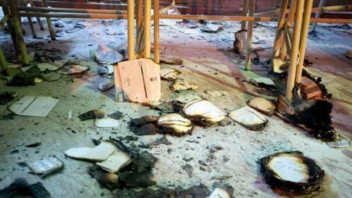 boletas y urnas quemadas