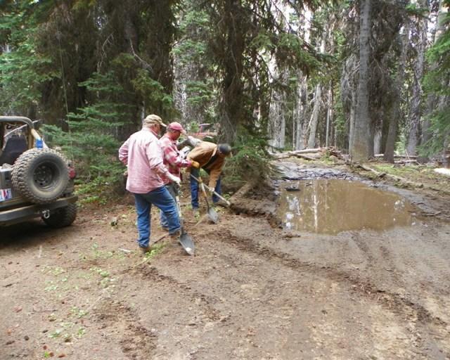 Photos: Trail 4W613 Work Day 34