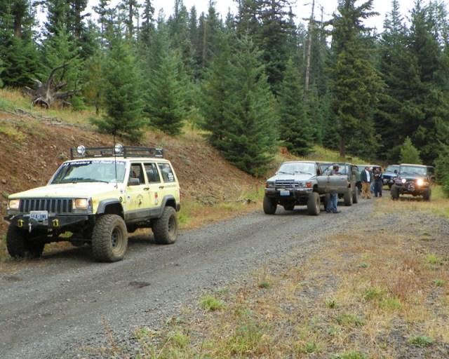 Photos: PNW4WDA Region 4 Pick Up A Mountain 60