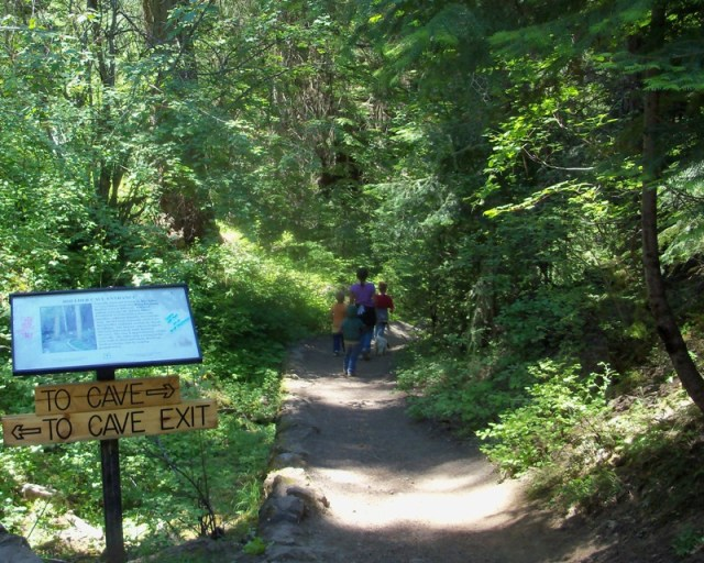 Photos: Boulder Cave Hike and Sightseeing Drive 8