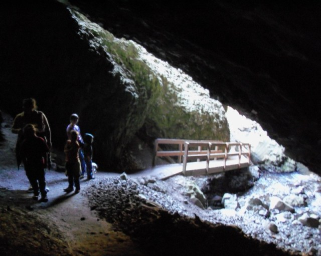 Photos: Boulder Cave Hike and Sightseeing Drive 21
