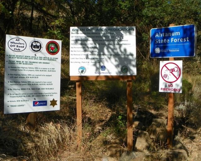Photos: National Public Lands Day Volunteer Work in Yakima County 27