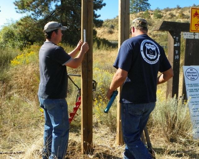 Photos: National Public Lands Day Volunteer Work in Yakima County 32