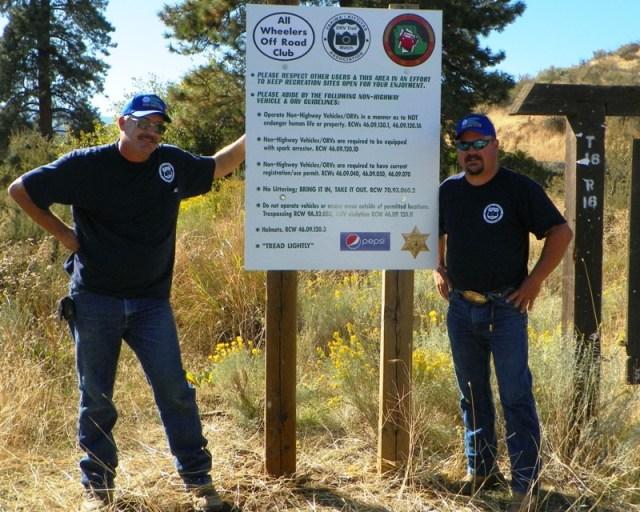 Photos: National Public Lands Day Volunteer Work in Yakima County 37