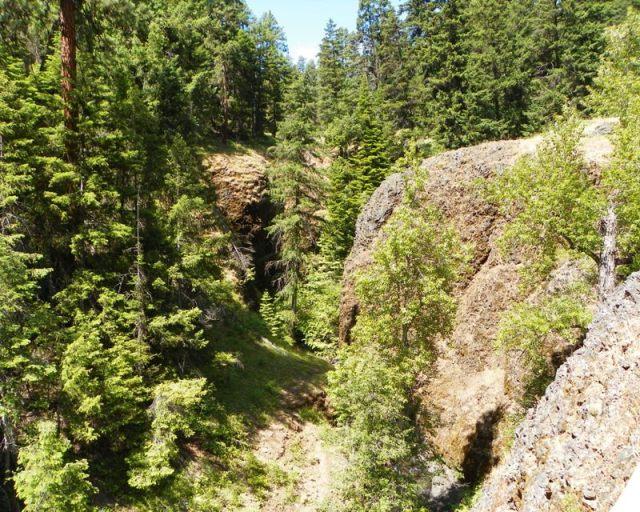 Boulder Cave Hike 10