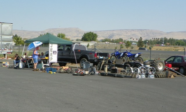 2011 Jeeping Nomads 4×4 Swap Meet 15