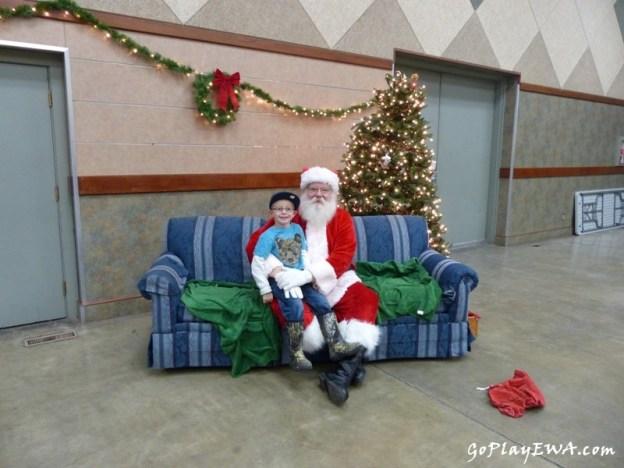 Breakfast with Santa in Selah