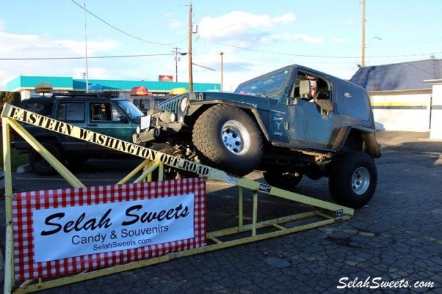 Selah_Jeep_15