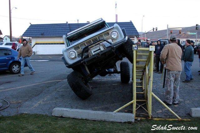 Selah_Jeep_40