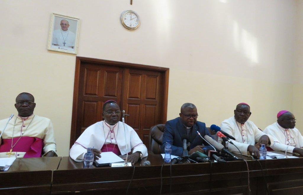 b7ba797c556 ... à l issue de l Assemblée plénière extraordinaire de la Conférence  Épiscopale Nationale du Congo