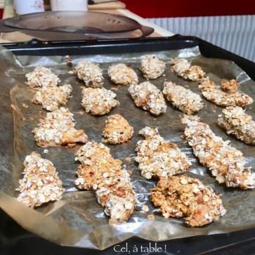 Les croquettes de poulet tout juste sorties du four