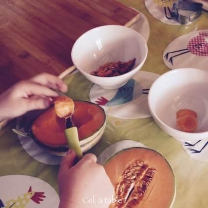 Utilisation de la cuillère parisienne par l'enfant