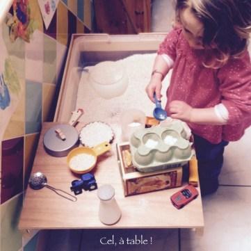 table d'exploration sensorielle
