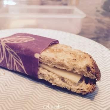 Pas le temps de finir le petit-déjeuner ? Je mangerai mon sandwich au fromage sur le chemin de l'école !