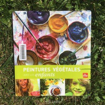 livre sur les peintures végétales avec les enfants