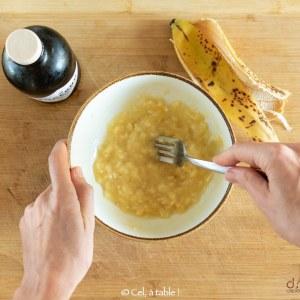 émulsionner l'huile et la banane