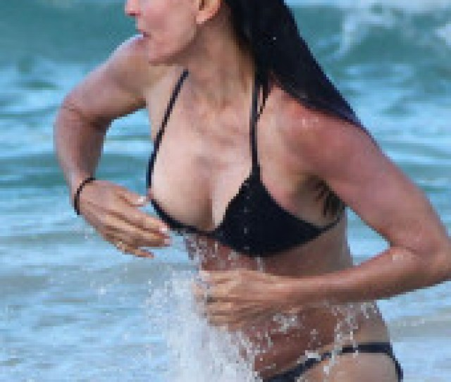 Courteney Cox Nude Topless Pictures Playboy Photos Sex Scene