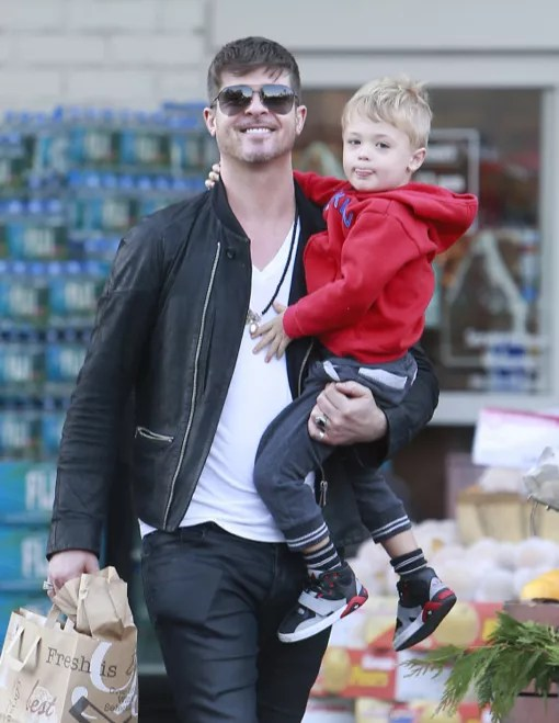 Robin Thicke And His Son Julian Picked Up Some Groceries