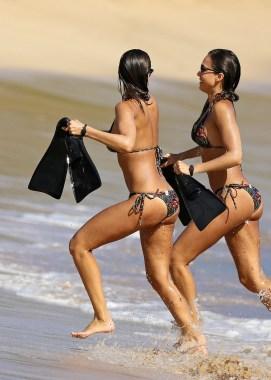 Jessica Alba bikini multishot 2