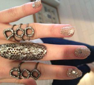 emmy-rossum-nails-met-gala