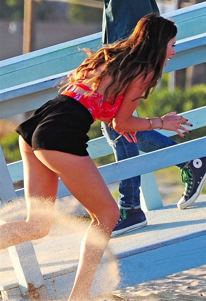 Bella Thorne Double Puffy Nip Slip