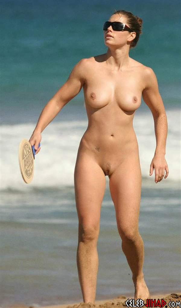 The Top 10 Celebrities Nude At The Beach