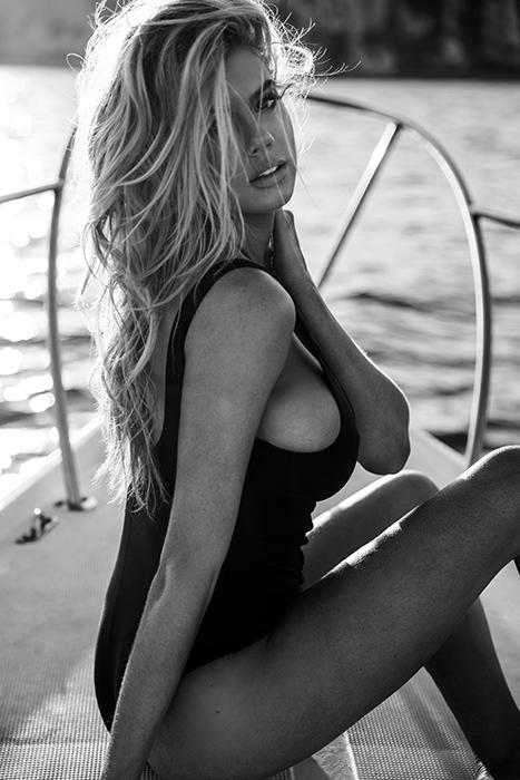 Charlotte McKinney Topless Hoe On A Boat Video