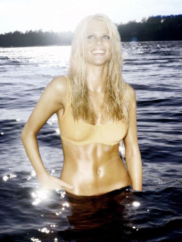 Tiger's Wife Elin Nordegren Bikini Pictures