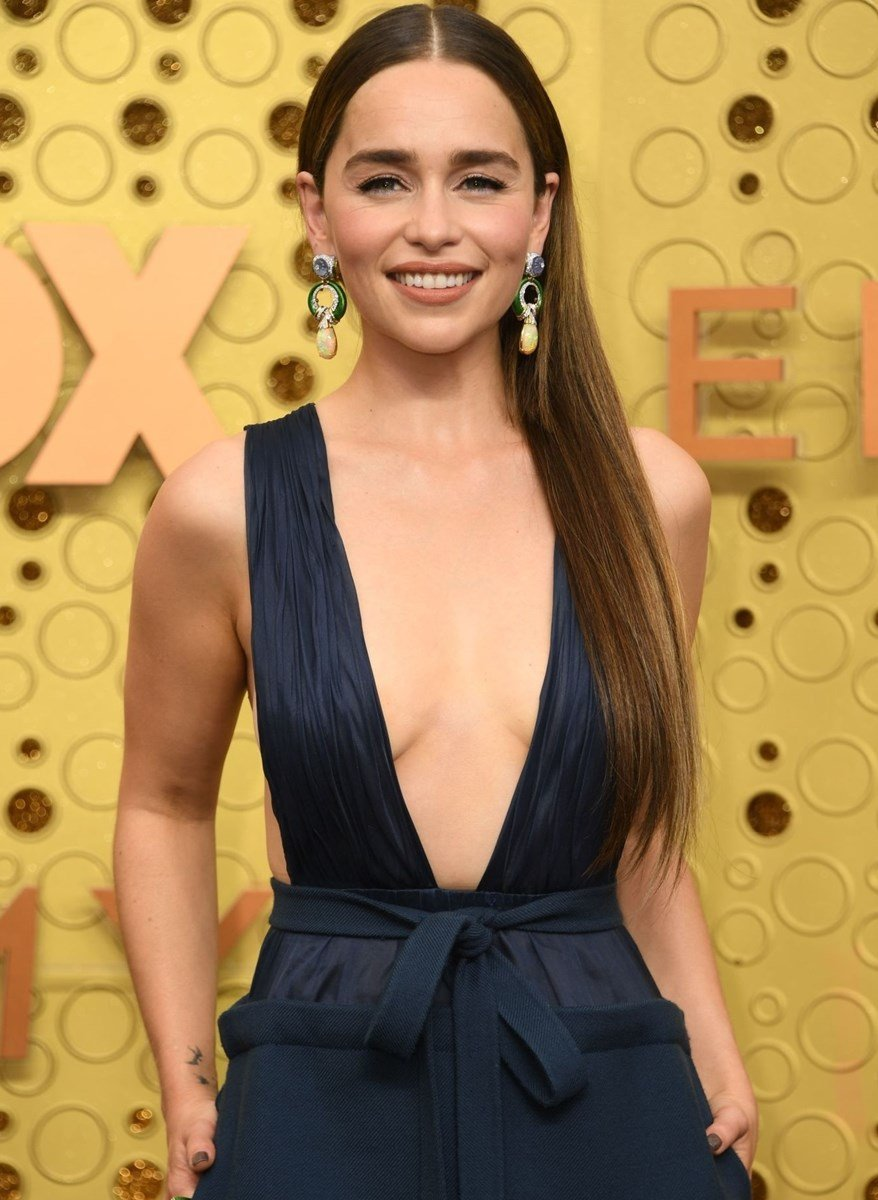 Emilia Clarke Takes Her Saggy Tits Out At The Emmys