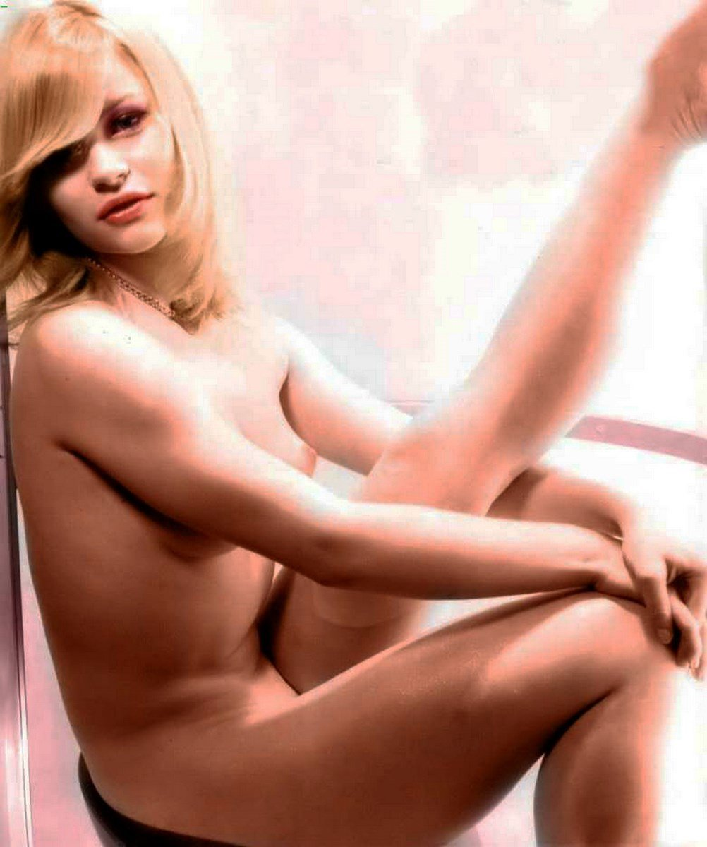 Emilie de Ravin Nude Leak Preview