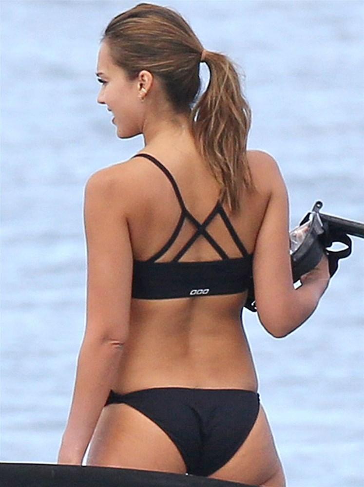 Jessica Alba In A Bikini Polluting The Ocean