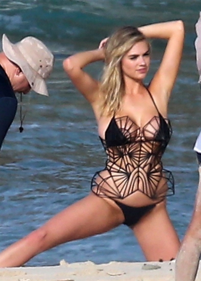 Kate Upton's Big Tits Behind-The-Scenes Of A Photo Shoot