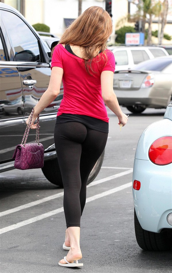 Kelly Brook's Ass In Tights Proves Allah Exists