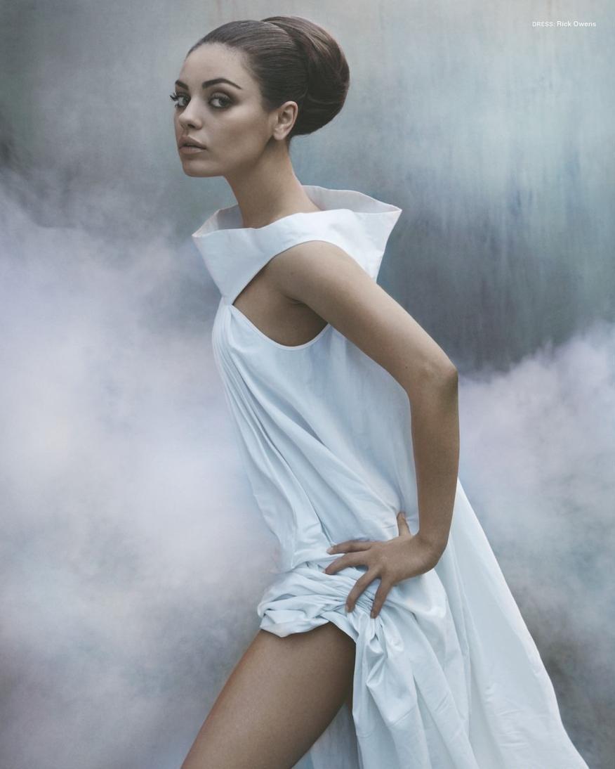 Mila Kunis Sexy Artistic Pics